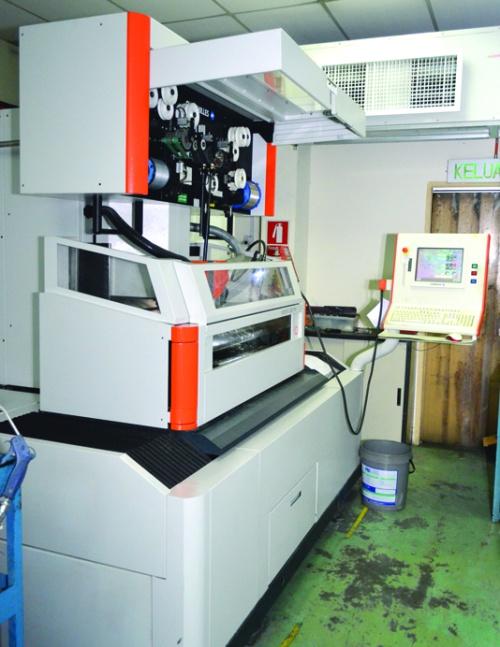CNC WIRE CUT (CHARMILLES ROBOFIL, 2050TW) | Micro-Nano Precision Sdn Bhd